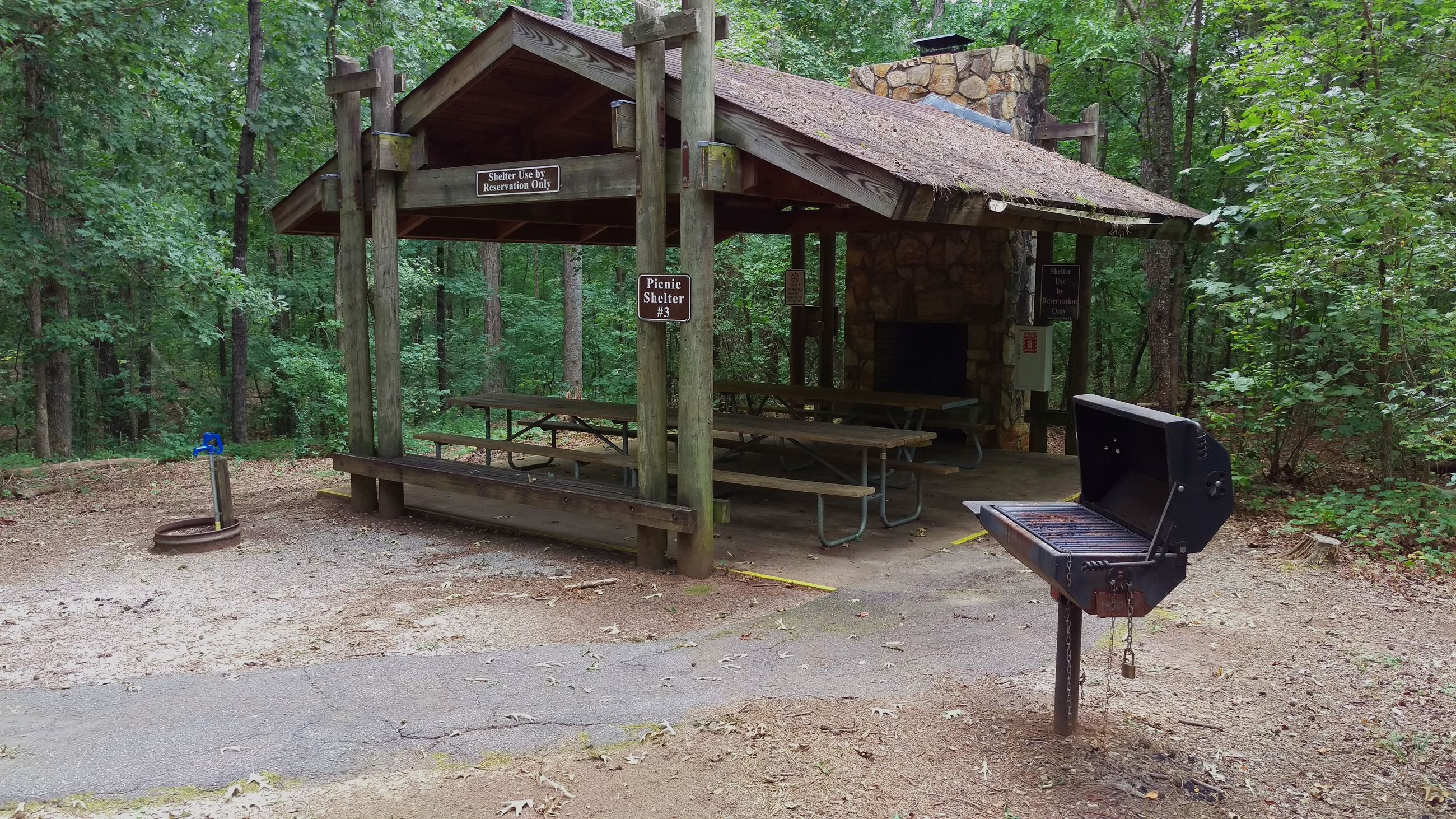 Photo of Picnic Shelter 3 at Sandy Creek Park.